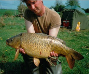 15lb 10oz Ballinafid 1995 on a floater, chum mixer in the background a bit of a giveaway