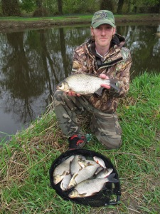 10lb 10oz stick float and centrepin reel on the Barrow