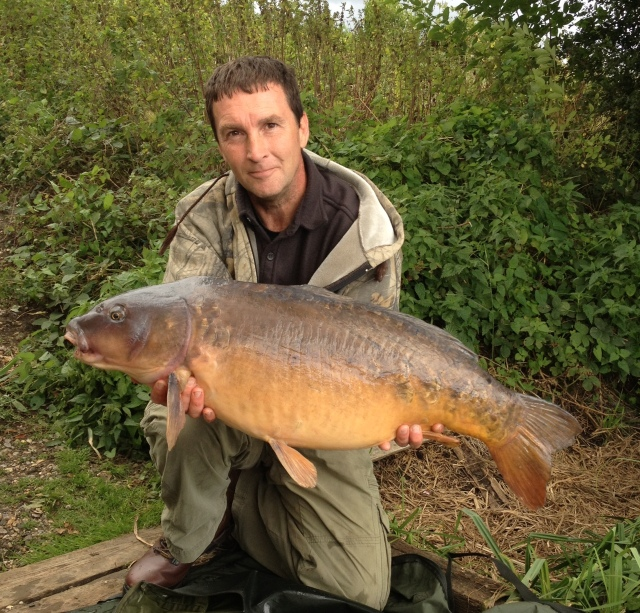 A lovely looking mirror caught using these tactics